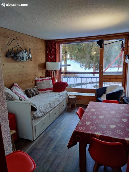 location-studio-Arc-1800-Charvet-5-personnes-1079-1-Alpissime